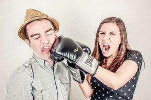 Khi con gái giận không muốn nói chuyện, 5 điều cần làm ngay