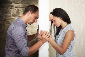 Yêu xa có nên tiếp tục? 5 lời khuyên chí mạng cho bạn