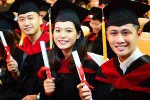 Có nên học đại học không, hay nên học cách kiếm tiền từ sớm?